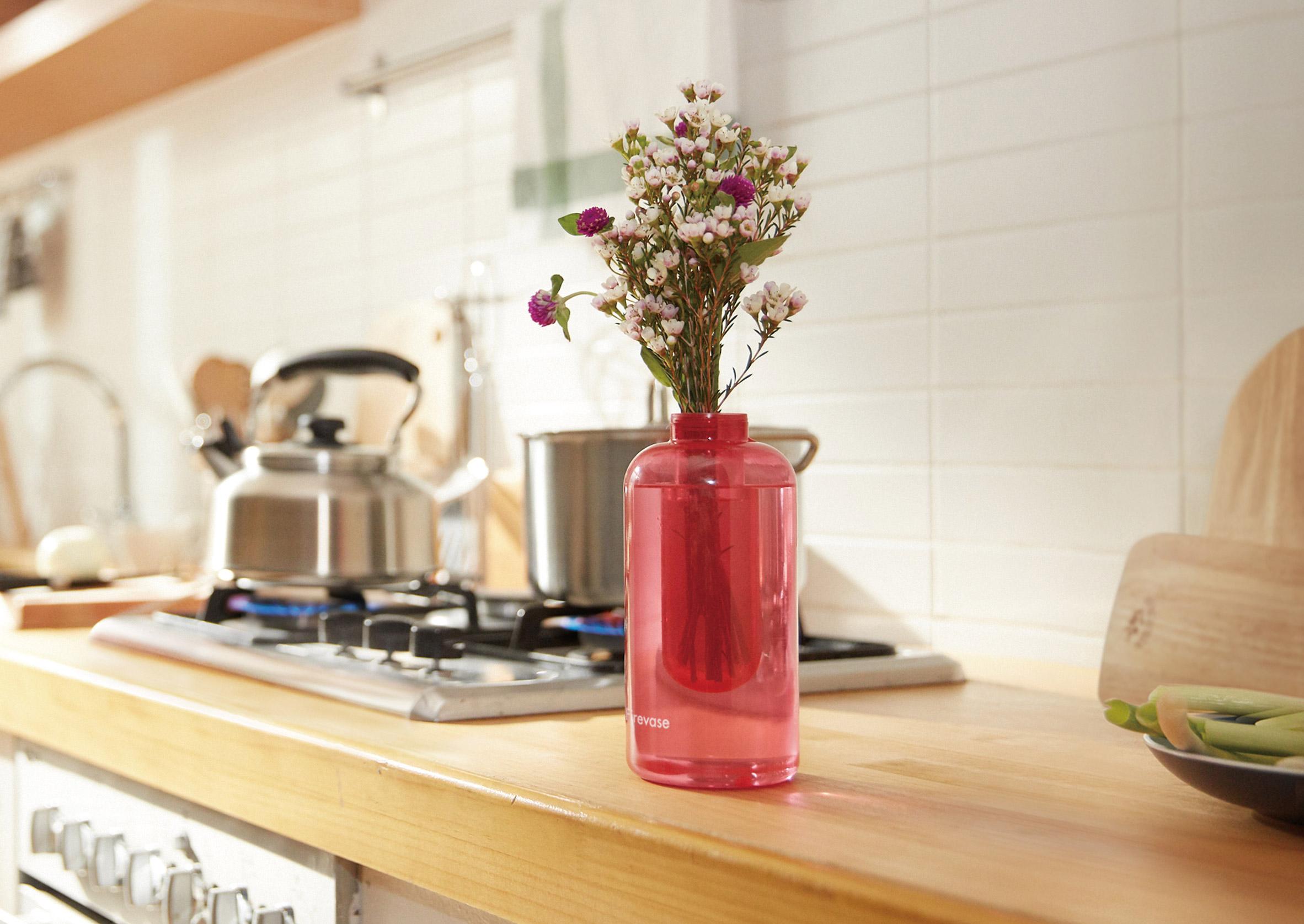 FireVase, Flower vase by Samsung that doubles as a fire extinguisher