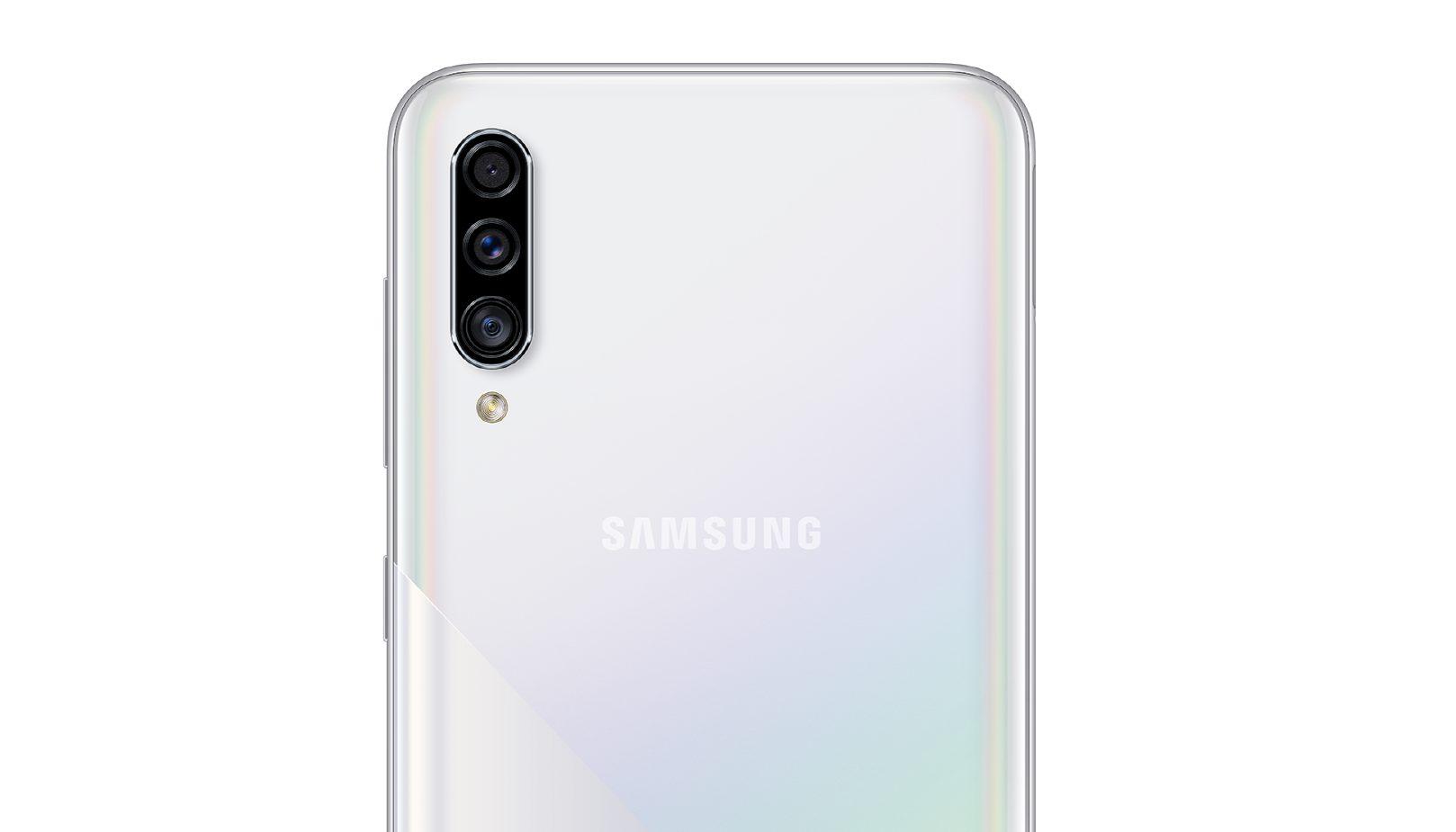 Samsung Galaxy A30s White back camera